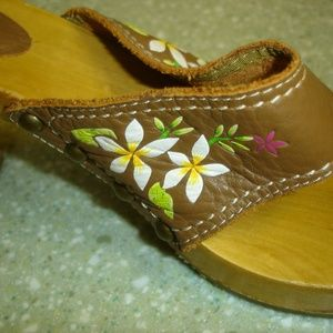 Report Shoes - WOMEN'S REPORT HULALA THONG SANDALS Size 8